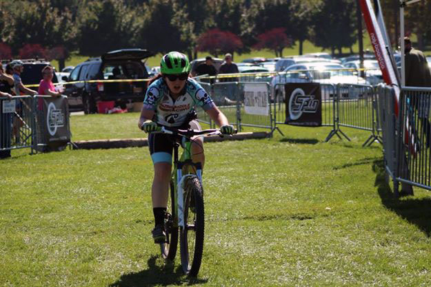 Sara Harper Mountain Bike Racing