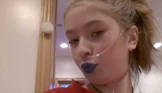 Cordelia Skuldt & the Blue Lip Kiss Challenge